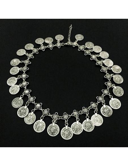 Colier vintage indian, cu flori metalice argintii si banuti