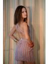 Rochie in dungi alb-rosu-crem-negru, cu bretele late si spatele gol