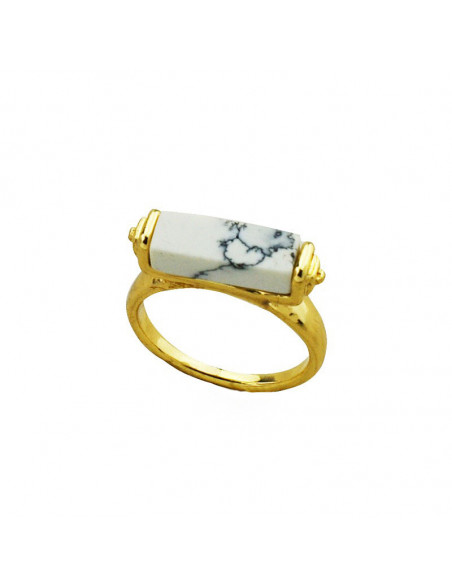 Inel elegant cu piatra alba dreptunghiulara