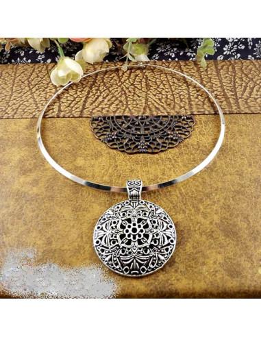 Colier tip cerc, cu medalion filigranat indian floral