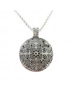 Lant argintiu cu medalion rotund floral