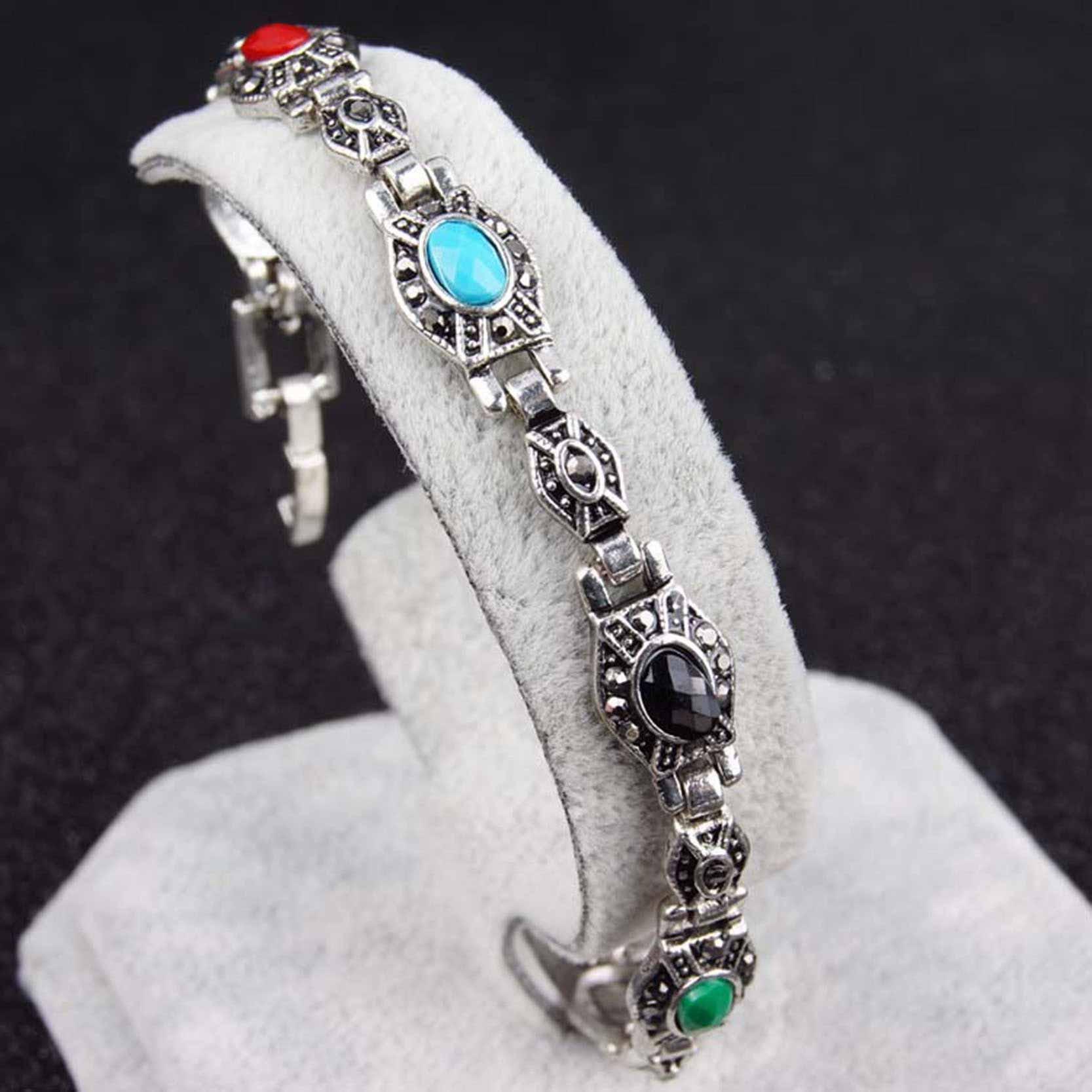 Bratara eleganta, argintiu patinat, cu margele colorate si cristale