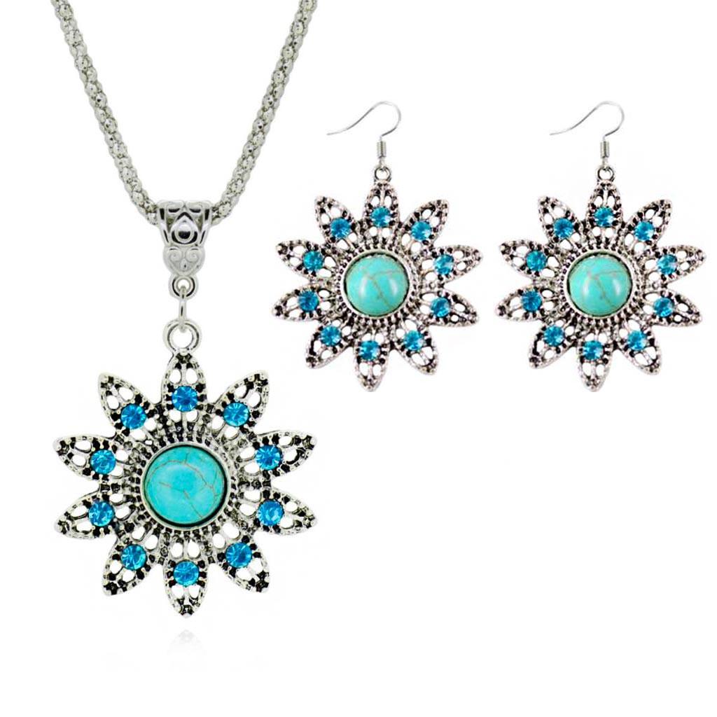 Set etnic argintiu, colier si cercei flori cu cristale si howlit turcoaz