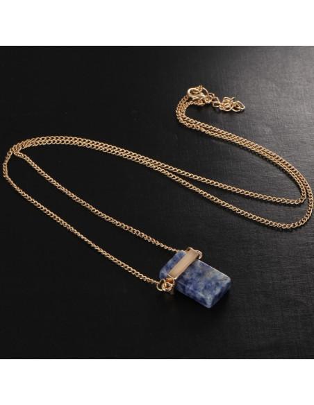 Lantisor minimal cu medalion dreptunghiular albastru tip piatra mozaic