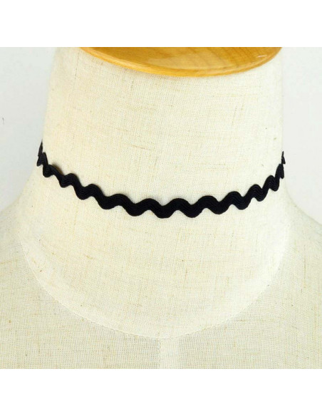 Choker negru ingust, din panglica model zig-zag