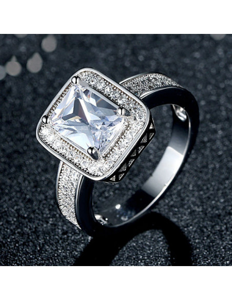Inel de logodna cu cristal de zirconie cubica taietura radiant, placat cu rodiu
