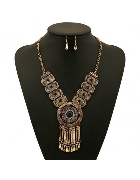 Set etnic, colier cu medalion rotund si segmente dreptunghiulare