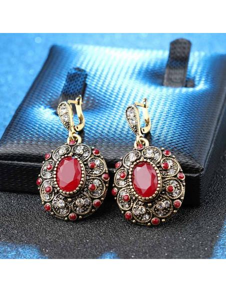 Set vintage cu cristale rosii si albe, medalioane ovale model floare
