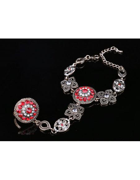 Bratara cu inel vintage, cristale rosii si albe si medalioane geometrice