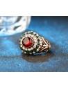 Inel vintage masiv, model rotund inalt, cu cristal rosu si inflorituri