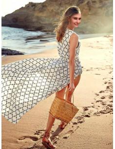 Rochita lunga de plaja, alba cu imprimeu in zig zag, tip capot