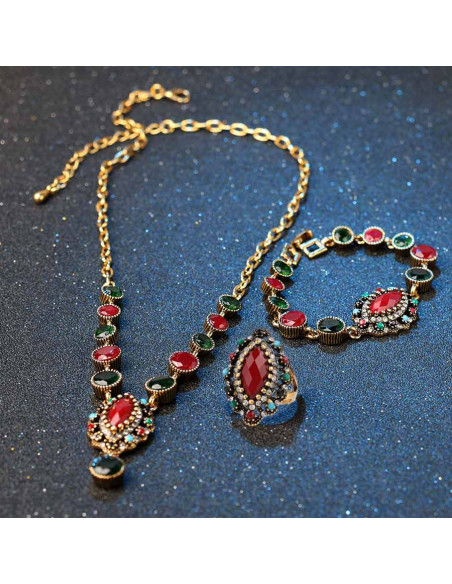 Colier vintage cu cristale colorate rotunde mari si medalion oval