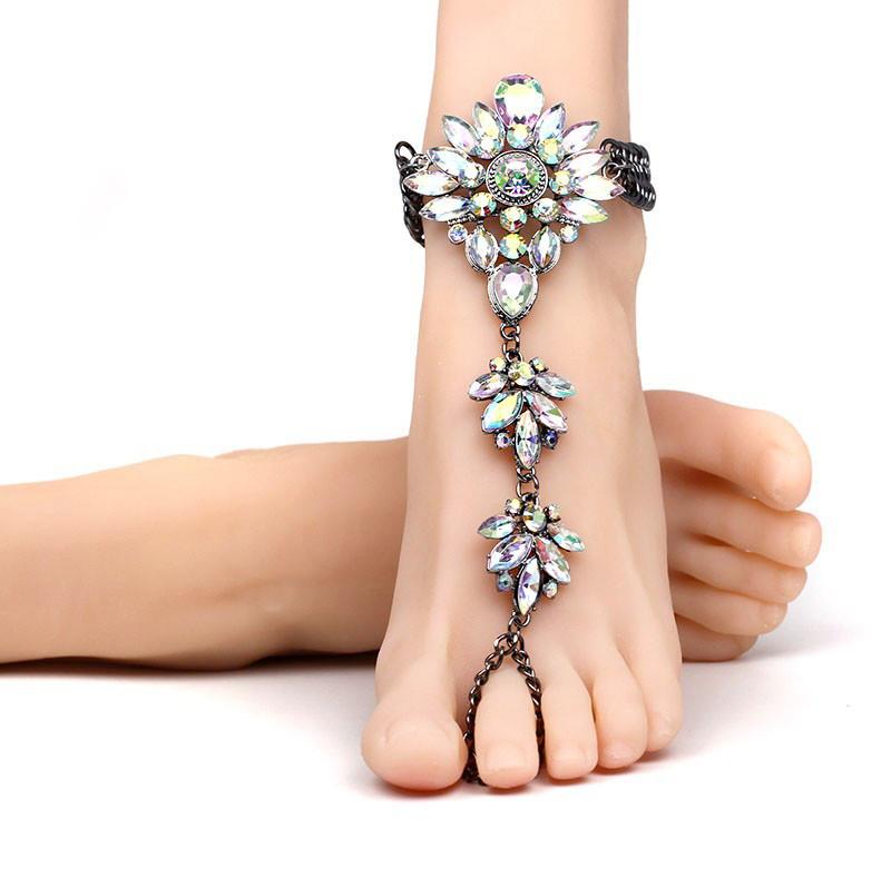 Bratara de picior cu inel, neagra cu floare din cristale albe