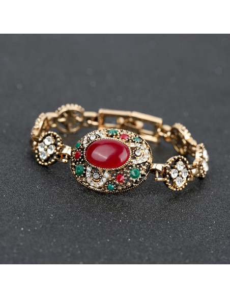 Bratara vintage cu medalion oval si piatra rosie, floricele rotunde cu cristale albe