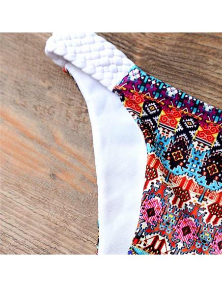 Costum de baie cu imprimeu etnic colorat, cupe push-up si bretele impletite