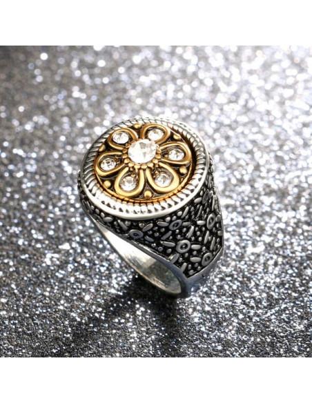 Inel masiv tip sigiliu, cu flori si cristale si buton magnetic