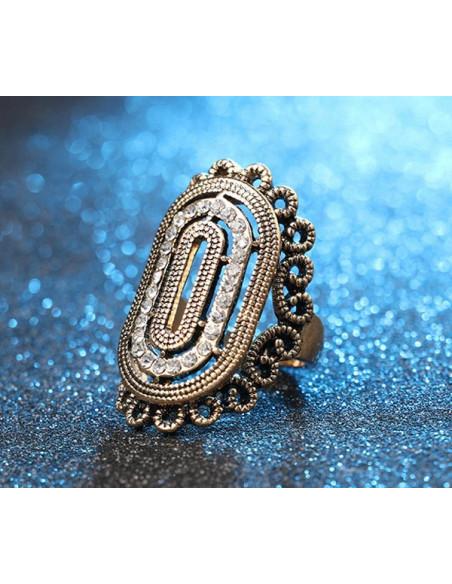 Inel vintage elegant, oval cu cristale albe si bordura inflorata