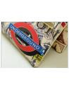 Plic din material imprimat, cu model London look, plic fashion cu insertii aurii si curea
