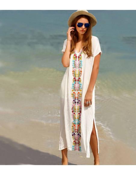 Rochita alba lunga de plaja, broderie colorata si slituri pe laterale