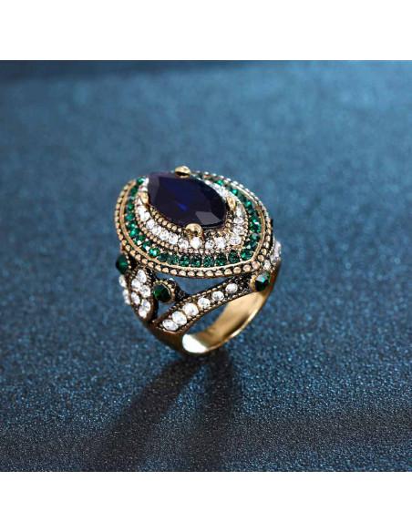 Inel vintage masiv, model baroc cu cristale albastre, rosii si albe