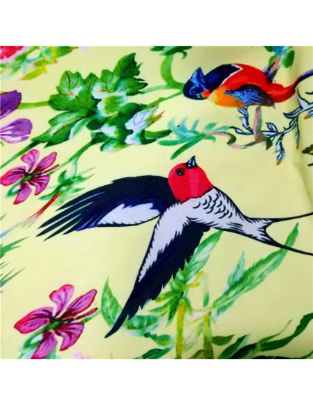 Costum de baie intreg, cu pasari si flori, legat in talie si la spate