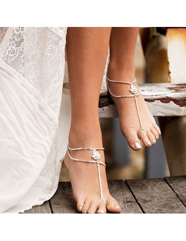 Bratara cu inel pentru picior, lantisoare cu bilute si cristale albe