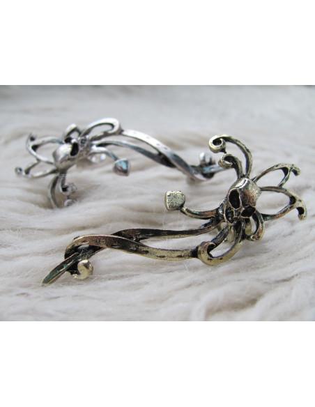 Cercei tip ear cuff, cap de schelet cu tentacule, prindere dubla, pe ureche