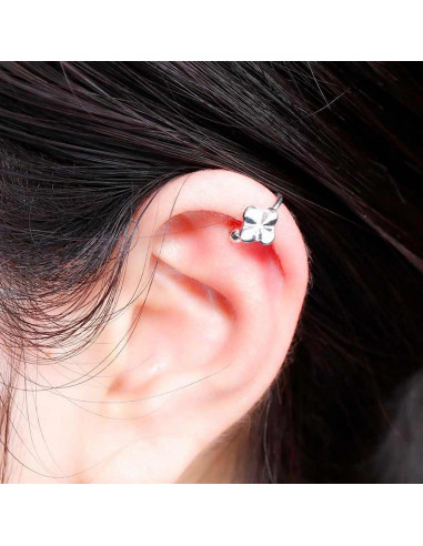 Cercel ear cuff, model cu trifoi, foarte mic si delicat