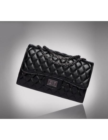 Geanta neagra eleganta, matlasata, cu lantisor metalic stil Chanel