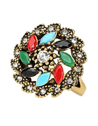Inel model turcesc cu cristale multicolor dispuse in forma de floare