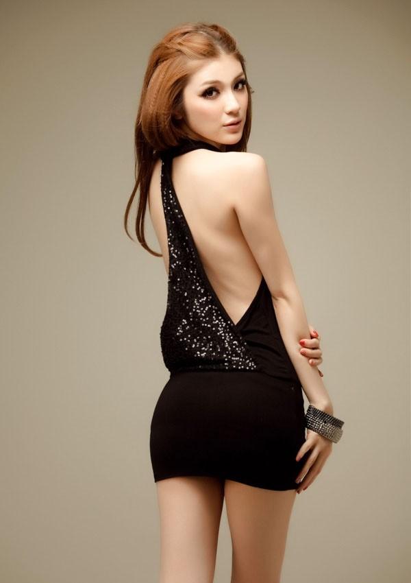 Rochie scurta mulata, cu spatele gol si paiete