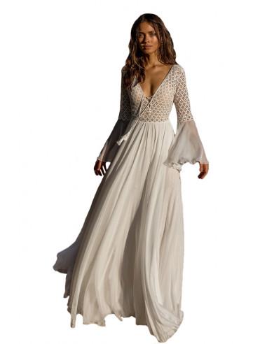 Rochie romantica, cu fusta larga si top din dantela, maneci clopot