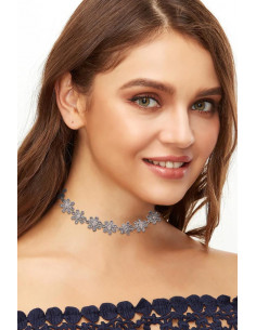Colier choker ingust, floricele mici insirate
