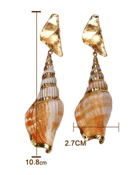 Cercei lungi din melci naturali spiralati, pictati manual cu auriu