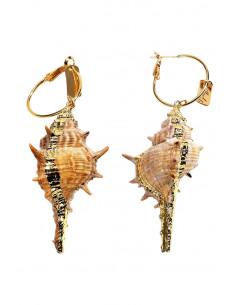 Cercei eleganti hula hoops cu melci marini, pictati manual cu auriu