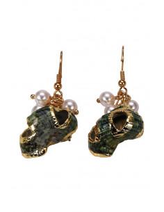 Cercei eleganti din melci naturali verzi, pictati manual cu auriu, si perlute