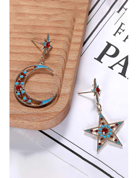 Cercei asimetrici cu semiluna si stele, margelute mici rosii si bleu
