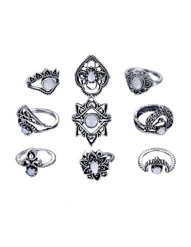 Set 9 inele boho cu margele albe, model floral de inspiratie etnica