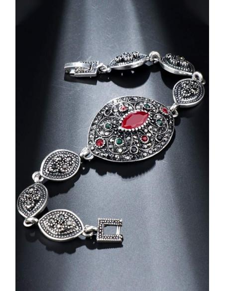Bratara vintage cu medalion oval, cristale rosii, verzi si hematite