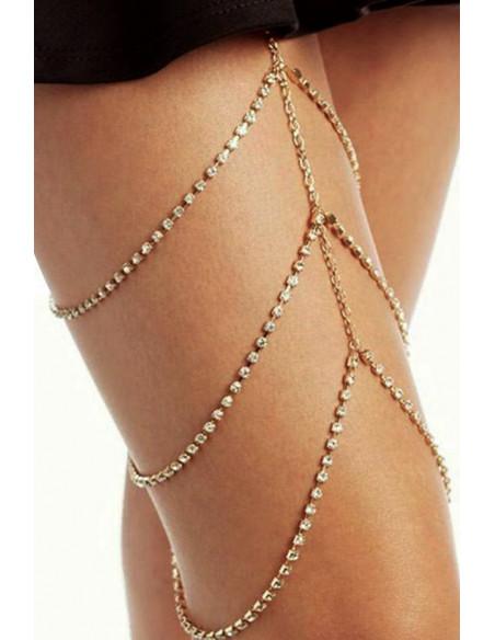 Lant pentru picior cu trei siraguri de cristale in suport patrat