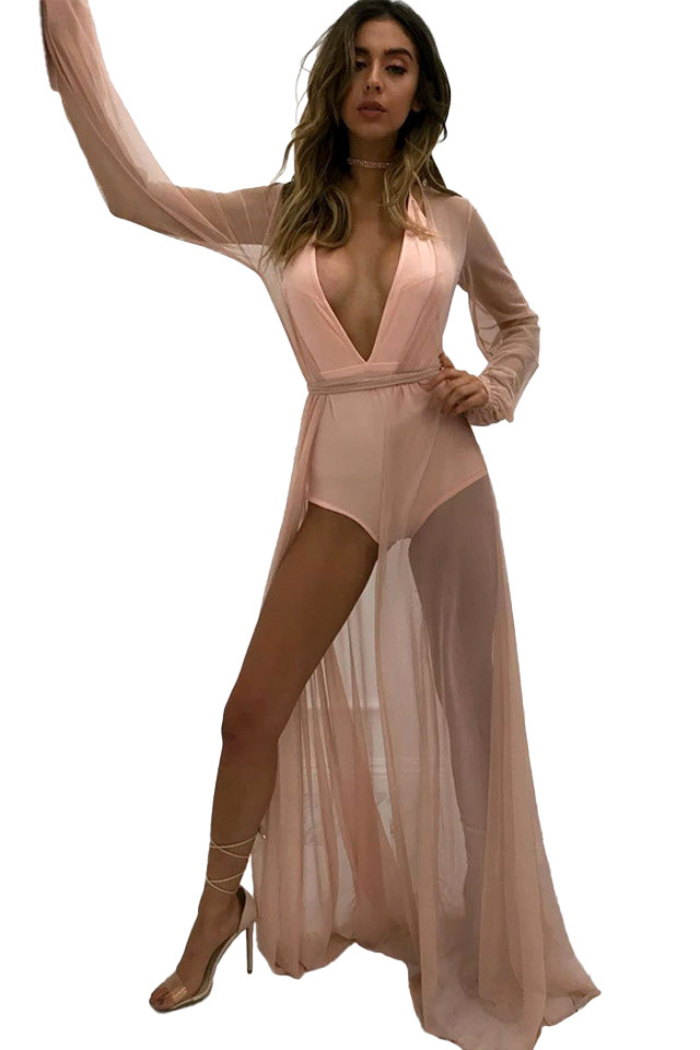Rochie de plaja, lunga, transparenta, cu maneci largi