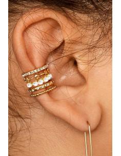 Cercel ear cuff rotund, inel lat, cu cristale mici albe, perle si stelute