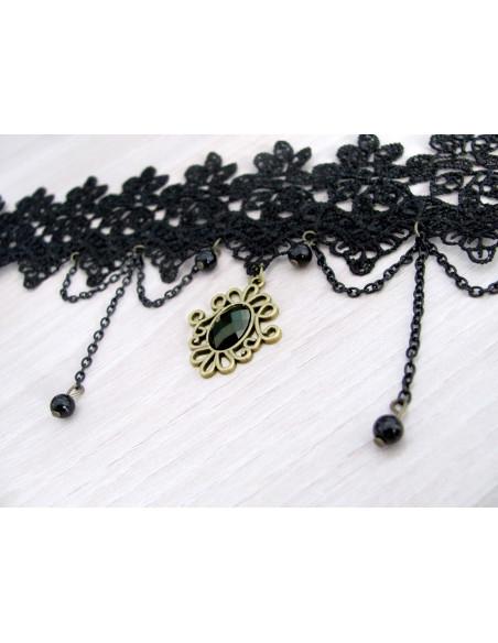 Colier choker din dantela neagra de matase, cristal negru si perle