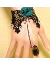Bratara cu inel din dantela neaga cu floare verde si cristal