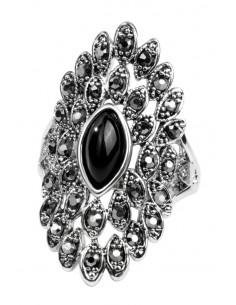 Inel vintage oval, de inspiratie florala, cu hematite si cristal negru