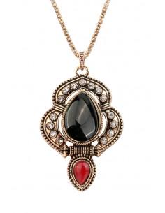 Colier vintage glam, medalion masiv, cu cristale mici si margele bombate