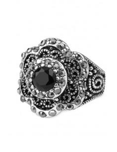 Inel vintage de inspiratie baroca, floare cu hematite si cristale negre
