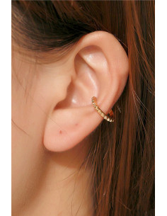 Cercel ear cuff minimal, inel ingust cu romburi in relief