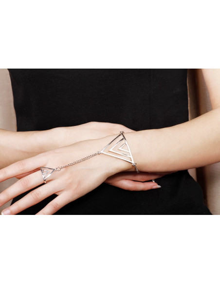 Bratara cu inel aurie model cu triunghi