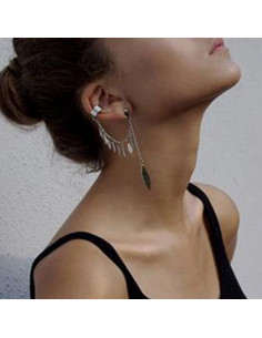 Cercel tip ear cuff, model cu lantisor si pene mici pe suprafata, prindere dubla